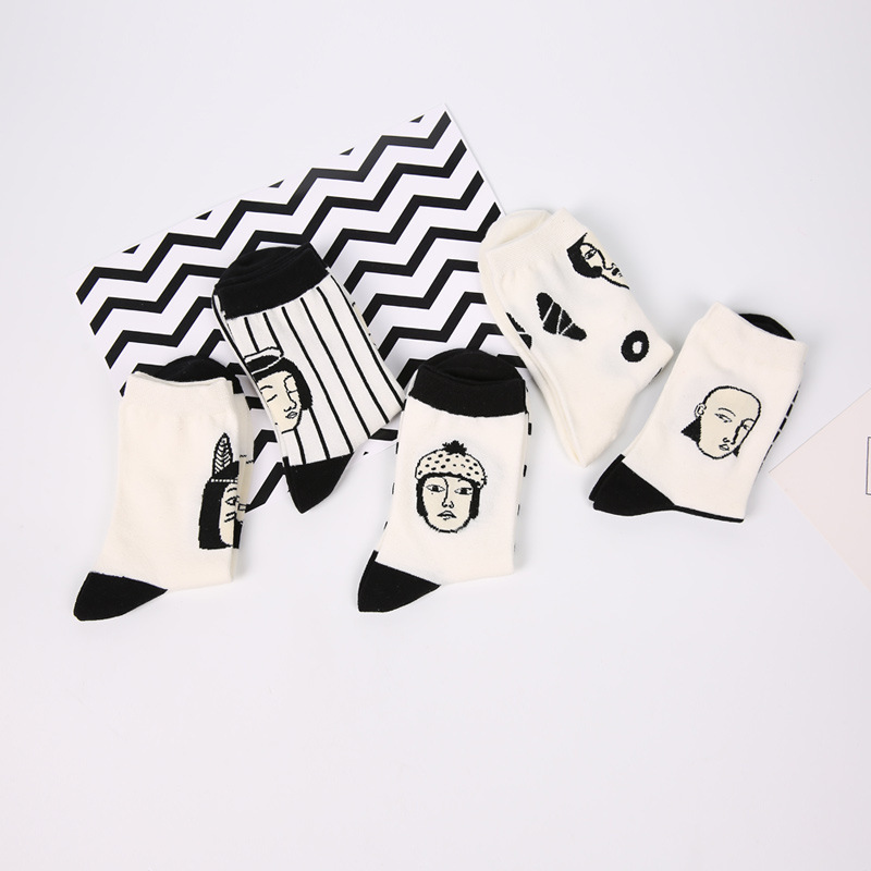 Japan Style Cool Sexy Women Funny Head Patterned Short Socks Cotton Funny Hipster Art Ankle Black And White Style Harajuku Sox