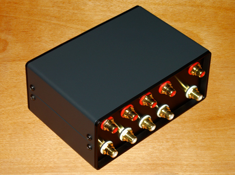 Passive Preamplifier audio switcher 4 group (2-channel)-IN-1 group (2-channel)-OUT RCA Signal Input Audio Splitter/Switcher цена и фото