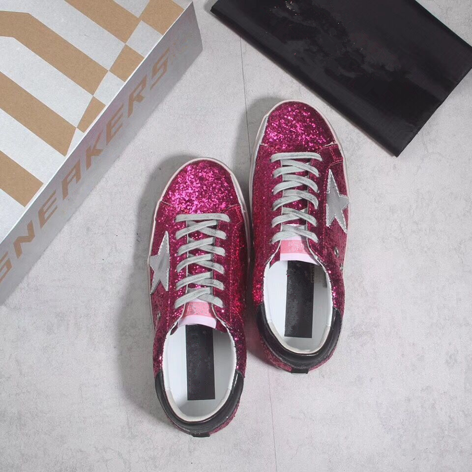 New Women Casual Shoes Glitter Leather Do Old Dirty Shoes Mixed Color Women  Sequins Star trainers Sneakers Zapatos de Mujer 2018-in Women s Flats from  Shoes ... 3313c129523b