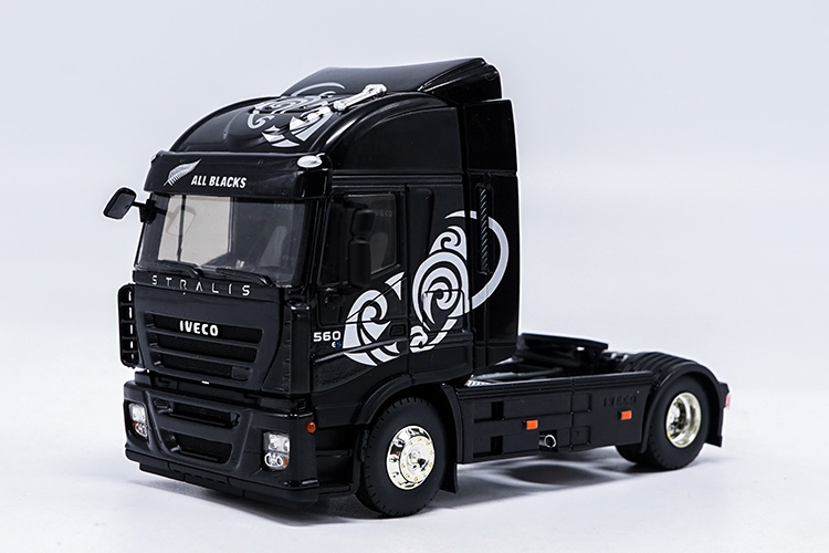 1:43 Diecast Model for Eligor Iveco Stralis 560 Truck All Black Alloy Toy Car Miniature Collection Gifts Tractor 1 30 diecast model for foton lovol m2104 k tractor alloy toy truck miniature collection gifts td tg series