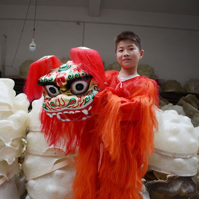 Lion Dance Costume Equipment Northern Performance Lion Dance Costume Cheap Single lion dancing for kids children adult wholesaleLion Dance Costume Equipment Northern Performance Lion Dance Costume Cheap Single lion dancing for kids children adult wholesale