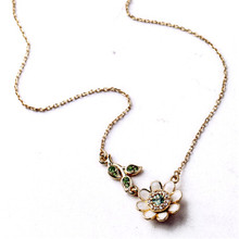 New Fashion Exquisite Crystal Flower Necklace Charm Jewelry For Women Dress Accessories