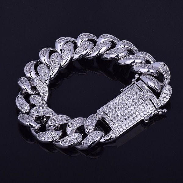 18mm Men's Chunky Iced Out...