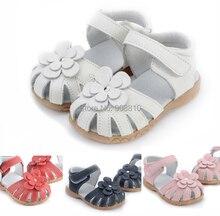 2017 nuevo cuero genuino de las muchachas zapatos del caminante sandalias en verano con flores sandalia de suela antideslizante niños niño revista 12.3-18.3