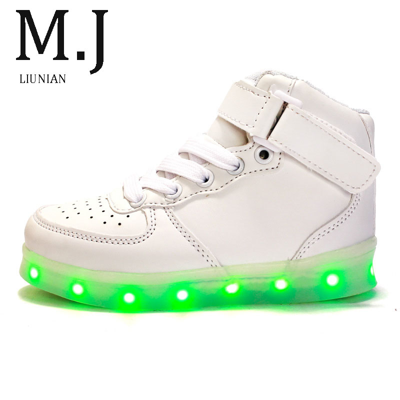 Baby Shoes First Walkers J.g Chen 2019 New Baby Girl Shoes 3 Colors Led Light Soft Bottom Flowers Little Baby Girls Shoes Kids Shoes Infantil Shoes Elegant Shape