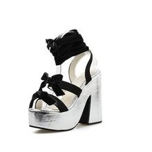 Shoes women 2019 summer new sexy thick with cool boots super high heel strap waterproof platform female sandals(China)