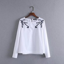 Blouse Blusa Women 2017 Early Spring New Retro European And American Style Embroidery Flowers Round Neck Sleeve Sleeves Shirt