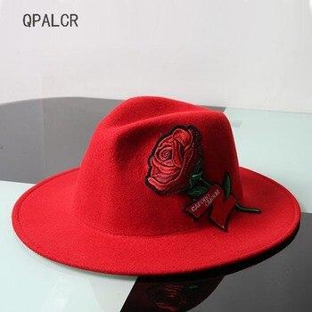 273e149caf964 QPALCR invierno rojo sombreros hombres mujeres sombreros de lana Rose Floral  Patch diseño Jazz sombreros Retro sombrero de fieltro negro Bowler Iglesia  ...