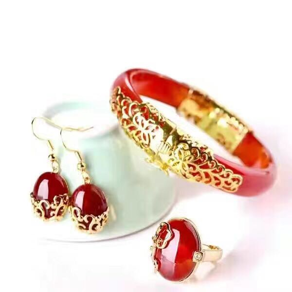 Charm female style Exquisite fashion red red oval earrings ring appeal The noble red pendant Elegant bracelet the appeal