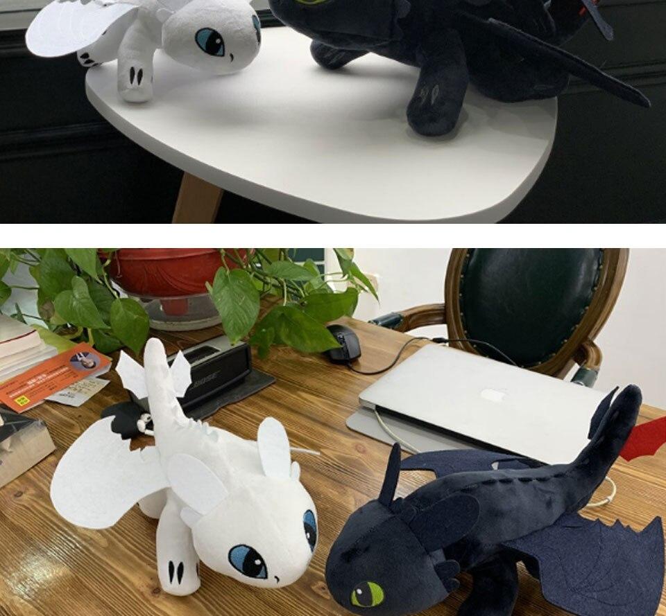 3 brinquedos de pelúcia desdentado branco fúria