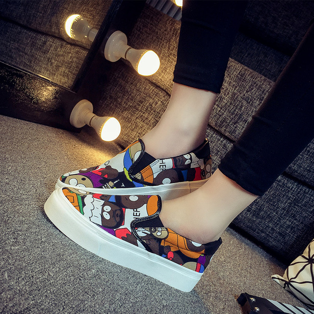 Spring Thick Soled Canvas Shoes womens Korean Graffiti Shoes Slip-on Kevin Students Leisure Women Shoes