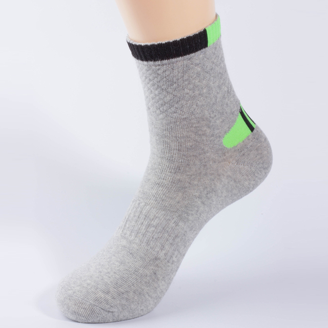 High Quality Professional men's socks Comfortable Elasticity Breathable Mountain Trekking Bicycle Cotton Socks For men boy Socks