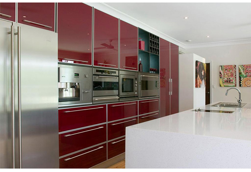 Red high gloss kitchen cabinets plywood carcass on for Cheap kitchen cupboard carcasses