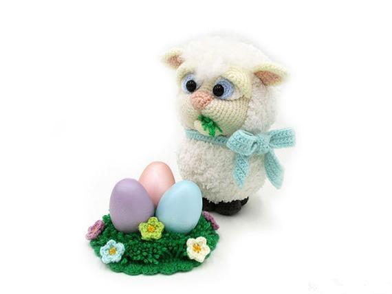Crochet giocattoli amigurumi agnello numero di modello b0132Crochet giocattoli amigurumi agnello numero di modello b0132