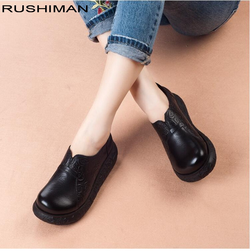 2018 spring autumn Women's Shoes Genuine Leather Flat Platform Woman Shoe Soft Comfortable Round toe Slip on Ladies Flat Shoes spring and autumn flat shoes comfortable and easy to wear slip on closure type fur decoration win warm praise from customer
