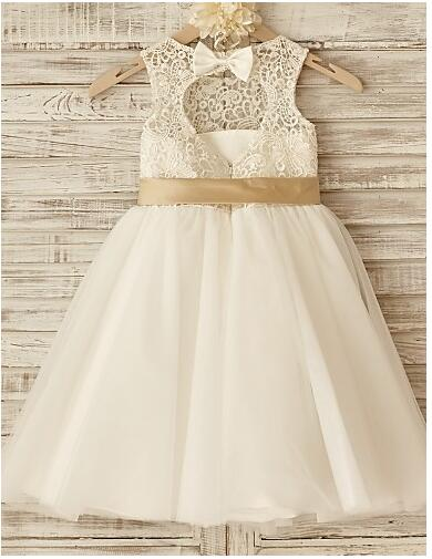 New Baby Girls Birthday Dress Ivory Lace with Bow Knee Length Backless Flower Girls Dresses 2017 Custom MadeNew Baby Girls Birthday Dress Ivory Lace with Bow Knee Length Backless Flower Girls Dresses 2017 Custom Made