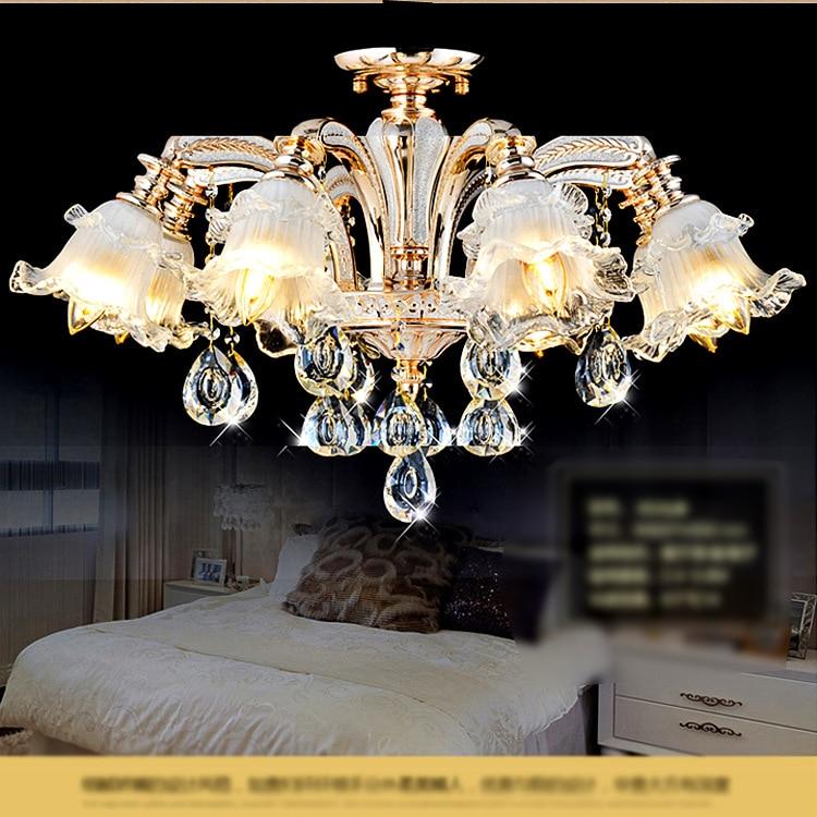 Opulente multi-part dorati chandeliers con cristalli viola