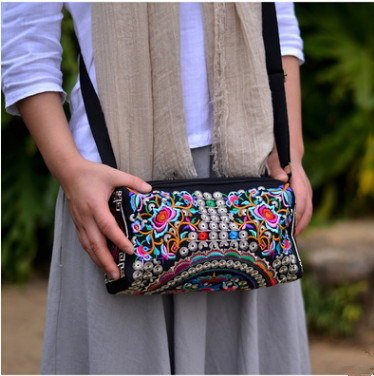 New Fashion Embroidery Women's Shopping Handbags!Hot Floral embroidered shoulder&Handbag Top All-match Three-Zipper Carrier image