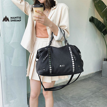 Genuine Leather Women Bags Large-capacity Handbags for Ladies Rivet Messenger Package Female Casual Tote Brand Designers Packet
