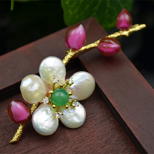 Natural Shaped Pearls Glass Flower Branches Delicate Brooch PendantsNatural Shaped Pearls Glass Flower Branches Delicate Brooch Pendants