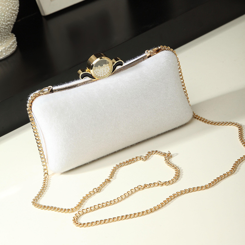 new style simple lock Lady Clutch Bag With Chain Shoulder Prom Wedding Envelope Handbags Small white Purse Evening Clutch Bags trendy women s clutch with envelope and twist lock design