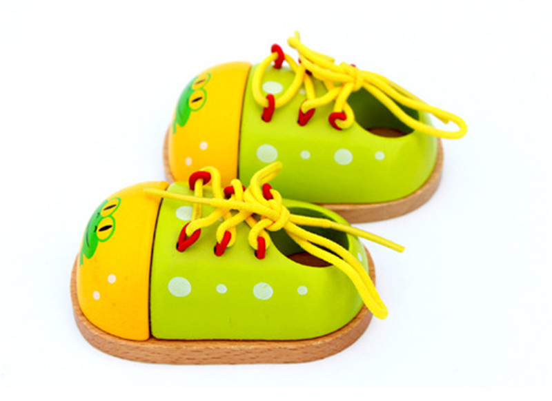 Купить с кэшбэком New wooden toy baby Mini socksand little shoes baby educational toy baby gift baby toy Free shipping