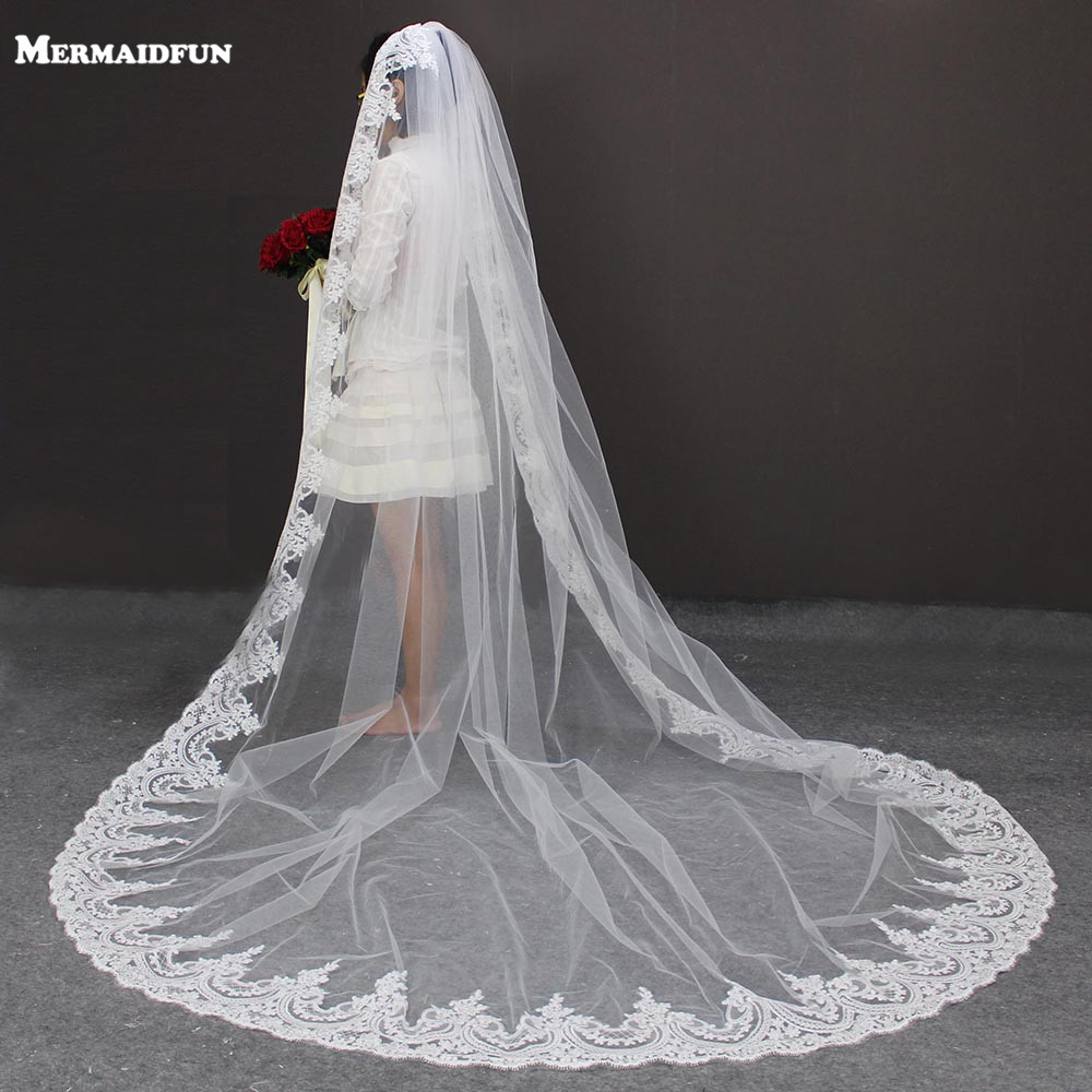 3 M Length 3 M Width Vintage Style Cathedral Bridal Veil with Comb Long Lace Appliques