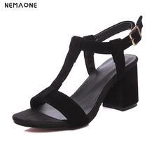 2017 Nuevas mujeres de la moda gruesas sandalias de la mujer zapatos de tacones altos t-correa de sandalias de mujer zapatos de las señoras ocasionales