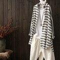 Mulheres Listrado Outono Soltas de Algodão e linho Camisa Feminina de manga longa cardigans Casacos Senhoras Blusa Protetor Solar Tarja Camisas