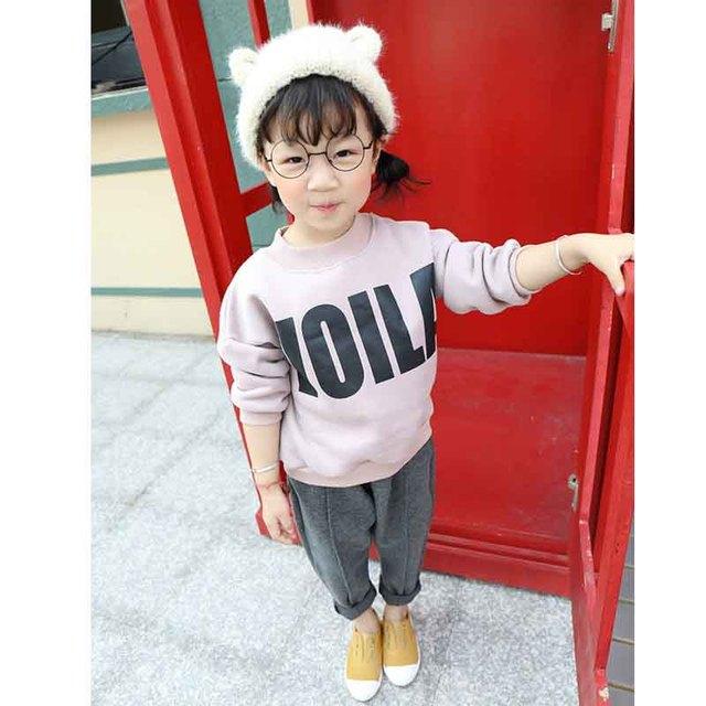 2016 otoño y el invierno ropa de los nuevos niños y niñas, además de terciopelo espesar suéter letras impresas camisa