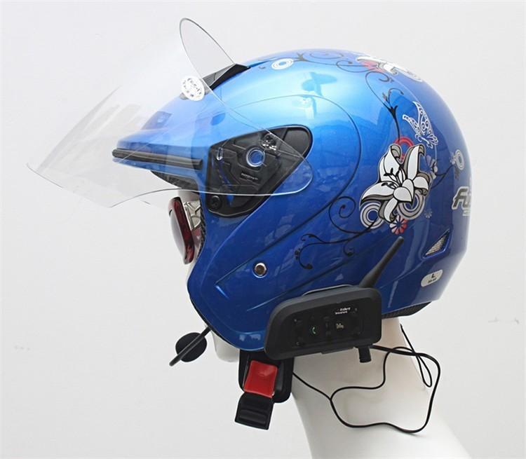 1PCS V4+2 Pcs V6 Motorcycle Helmet Bluetooth Intercom System BT Stereo Interphone Handsfree Headset for 3 Riders Group Chat (7)