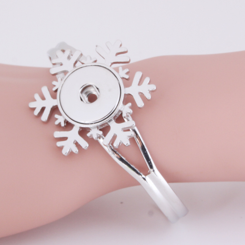 DI Snowflake 18mm Ginger Snap Button Cuff Bracelet for Women Vintage Silver Colour Flower Charms Button Bracelet NSB065