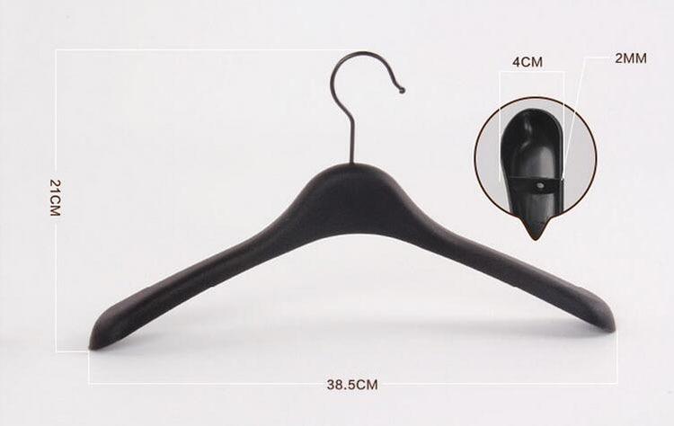 Купить с кэшбэком Black Thick Wide Shoulder Plastic Clothes Hanger for Coats Jacket and Fur  (10 Pieces/ Lot )