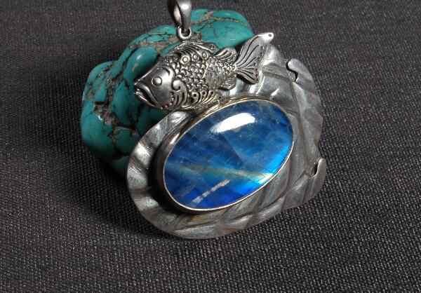 手作りネパール 925 シルバーラッキーペンダントネックレスムーン石のペンダントボヘミアペンダントネックレス