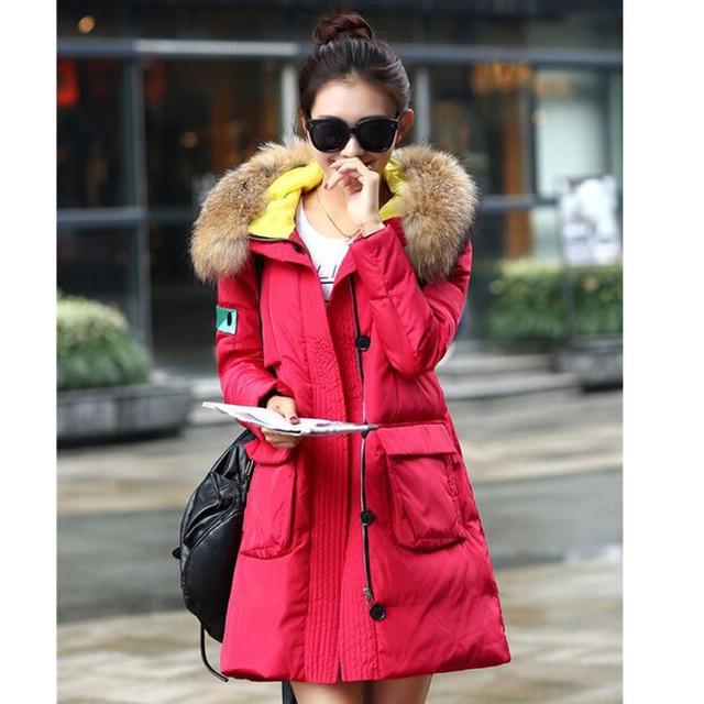 Natural Real Raccon Fur 2016 Casaco de Inverno Roupas Femininas Para Baixo Parka Pato Branco Para Baixo Espessamento Jaqueta Casaco Moda Feminina