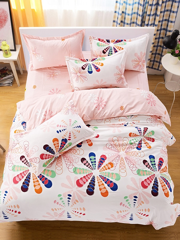 Geometric Style Rainbow Flower Pattern Comforter Set 4 Pcs