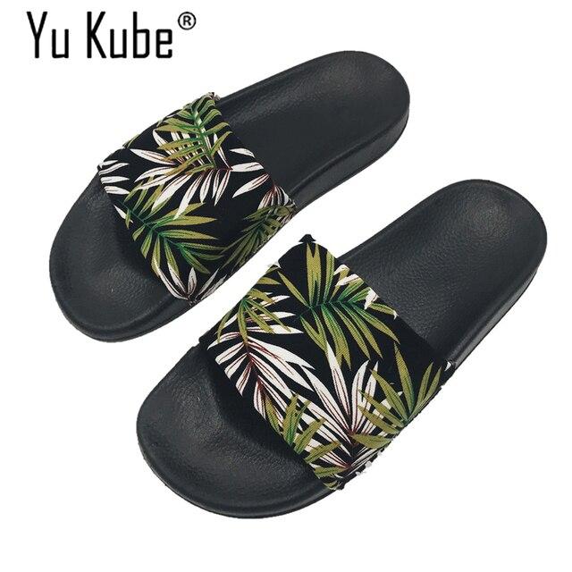 Yu kube бренд 2018 листья пляжные шлепанцы Сланцы босоножки на каблуках женские домашние тапочки Повседневное слипоны Летние босоножки
