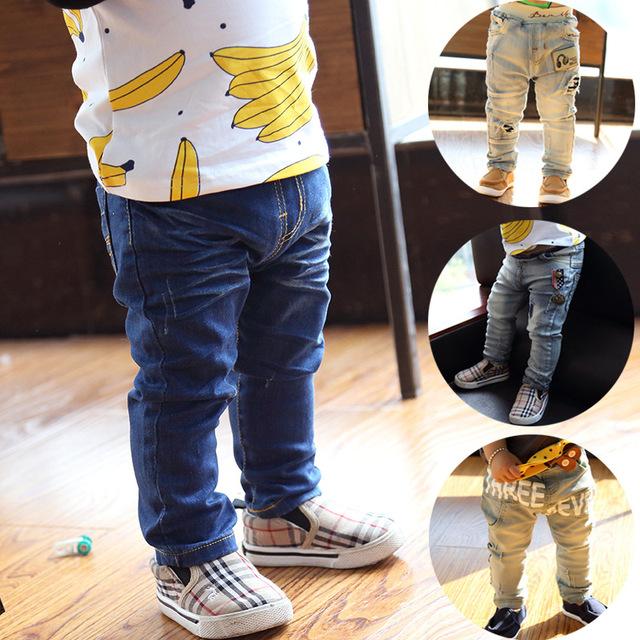 Baby boy jeans rasgado 1-quatro Anos de menina crianças denim calças crianças calças moda primavera e no verão ocasional magro calças jeans elásticos