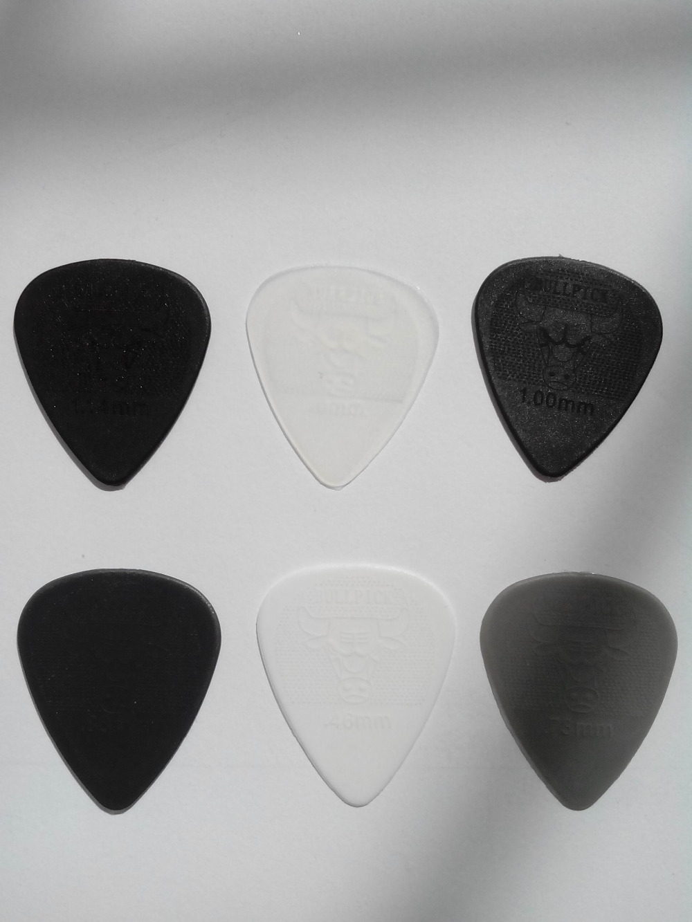 6pcs Good quality durable nylon guitar picks