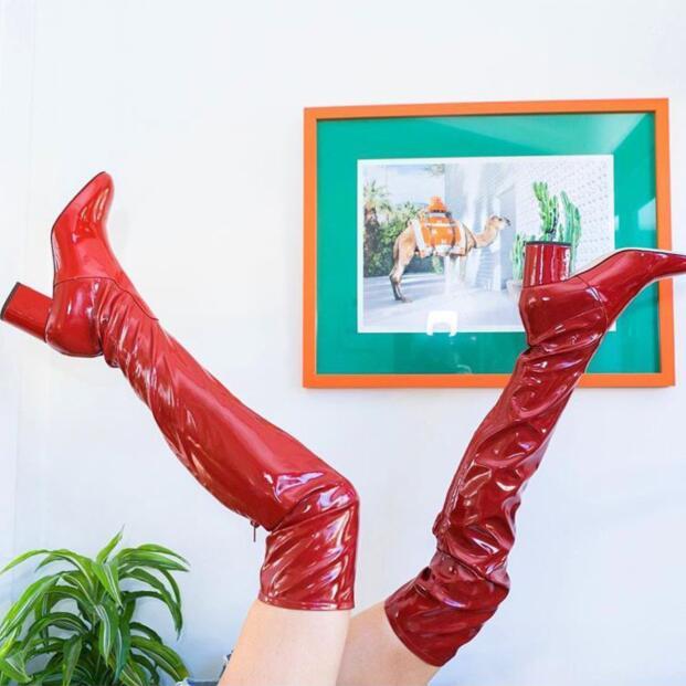 2018 Frühjahr Neue Mode Red Patent Über Den Knie Stiefel Runde Kappe Damenmode Ritter Stiefel Zip Zurück Oberschenkel Stiefel Top Wassermelonen