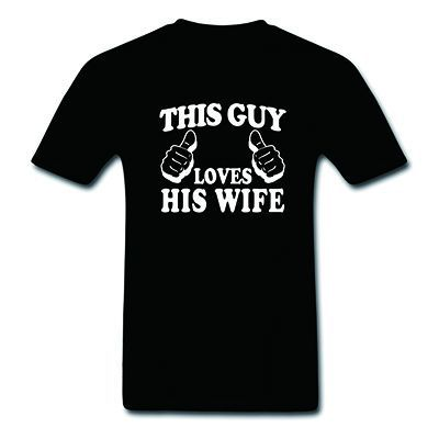 Dieser Kerl Liebt Seine Frau männer T Shirt Lustige Hemd Mann Geschenk Hochzeit Geschenk Baumwolle Oansatz T-Shirts 16 Farben plus Größe S-3XL