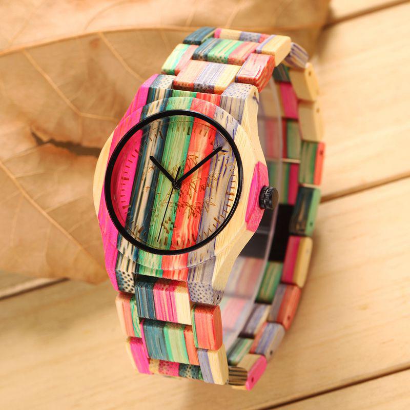 Prix pour Coloré En Bois Montres Dames De Luxe De Mode Bambou Montre En Plein Air Casual Style Simple Femmes Montre-Bracelet À Quartz Femme Horloges