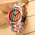Colorido De Madeira Relógios Senhoras Relógio De Bambu Ao Ar Livre Casual Estilo Simples Mulheres Relógio de Pulso de Moda de Luxo Relógios de Quartzo Feminino