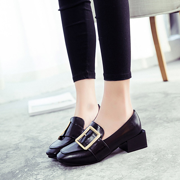 ФОТО  of 2017 Korean belt buckle shallow mouth shoes woman head with thick comfortable with the shoes in all-match work shoes