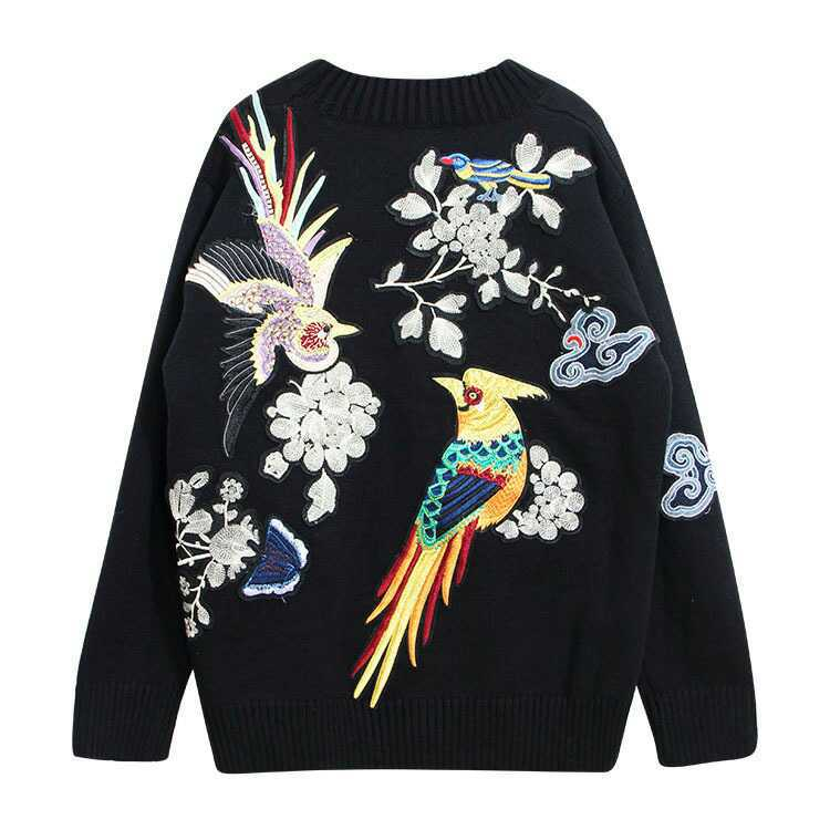 The spot China wind heavy clouds butterfly flower embroidery embroidery back Pullover Sweater on women