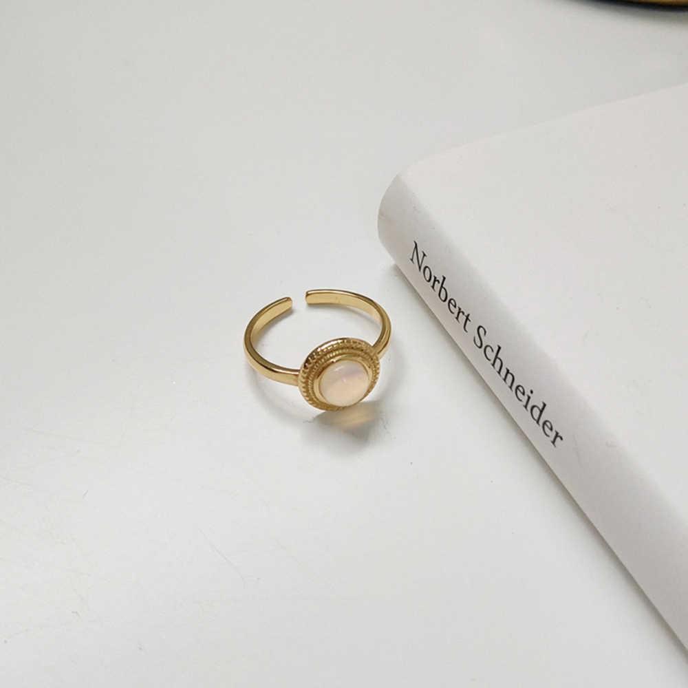 925 เงินสเตอร์ลิงฐานทองสีเปิดรอบแหวนมูนสโตนสีขาว Cabochons พลอยแหวนสำหรับเธอ