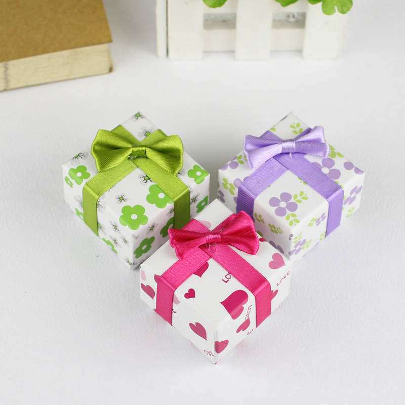 Christmas Gift Boxes Wholesale.5 5 4 Fashion Square Silk Bowknot Jewelry Box Rings Pendant