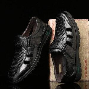 SYWGDC جلد أصلي للرجال الصيف الصنادل حذاء كاجوال بفتحات تهوية الرجال الجوف الصنادل لينة الأخفاف عالية الجودة حذاء رجالي