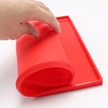 1 Stücke Backen Werkzeug Schweizer Rolle Antihaft-silikonbackmatte Silikon Kuchen Rollen Sushi Roller Maker Mould Farbe zufällig 12*10*0,3 zoll