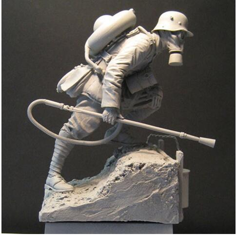 Unassembly Unpainted  1/16  Biological Soldier With Base   Historical Toy Resin Model Miniature Kit